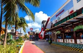 Cancun - Forum by the Sea with Hard Rock Cafe and Coco Bongo