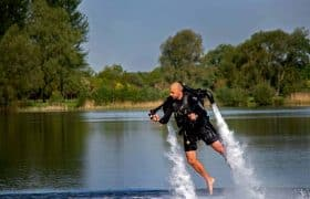 Activities in Cancún - Jetpack over the waters of the lagoon