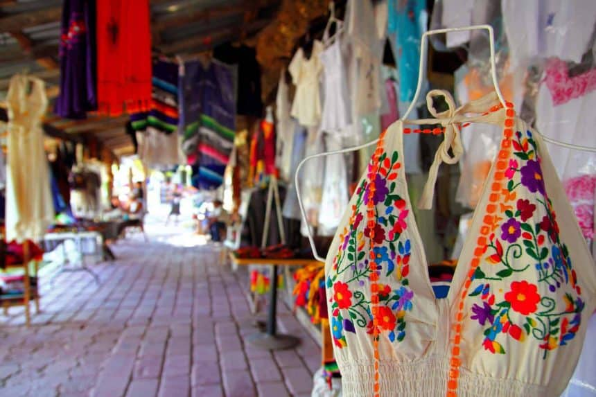 Things to do in Puerto Morelos, Mexico - visit the handcrafts market downtown